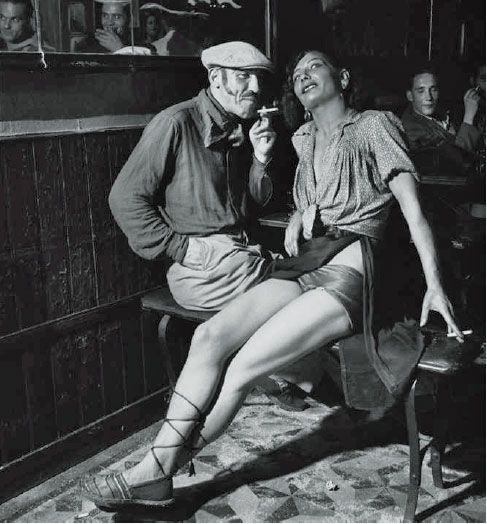 Dans un bar à Pigalle, Paris 1938 Photos Émile Savitry courtesy Sophie Malexis