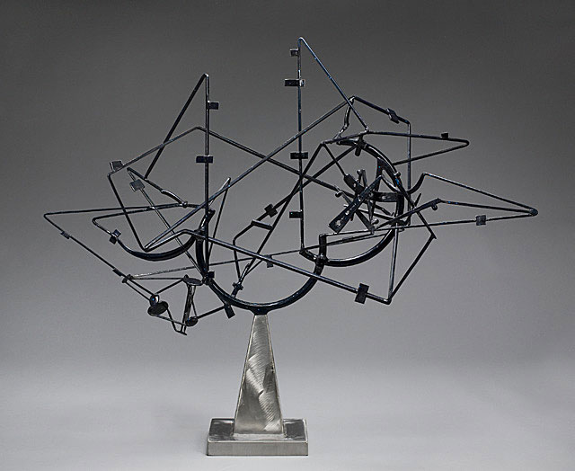 David Smith, Star Cage, 1950. Painted and brushed steel, 114 x 130.2 x 65.4 cm. Lent by the Frederick R. Weisman Art Museum, University of Minnesota, Minneapolis. The John Rood Sculpture Collection. © Estate of David Smith/DACS, London/VAGA, New York 2016;