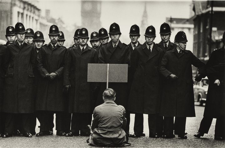 Don Mccullin, Protecter, Cuban Missile crisis, Whitehall, London 1962 Photo courtesy of Don Mccullin